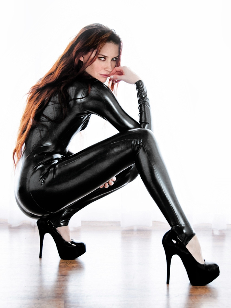 Guest Appearance Evangeline Lilly Latex Fake No 001